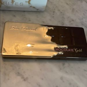 Too faced Chocolate Gold .. like new!